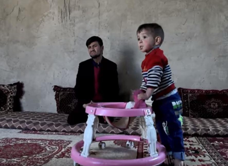 Un bebé llamado Donald Trump la lía parda en Afganistán