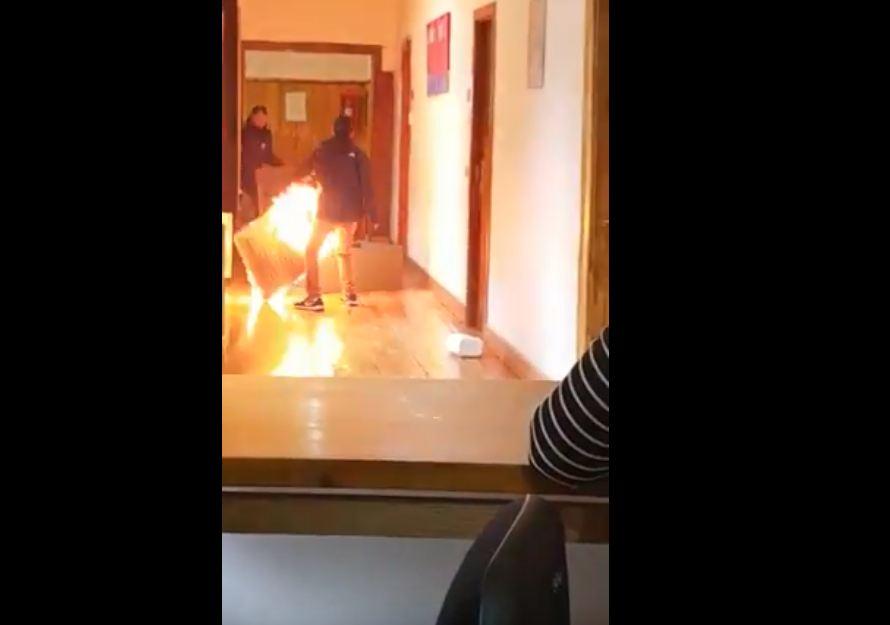 Incendia la oficina al enterarse de que no le renovaban
