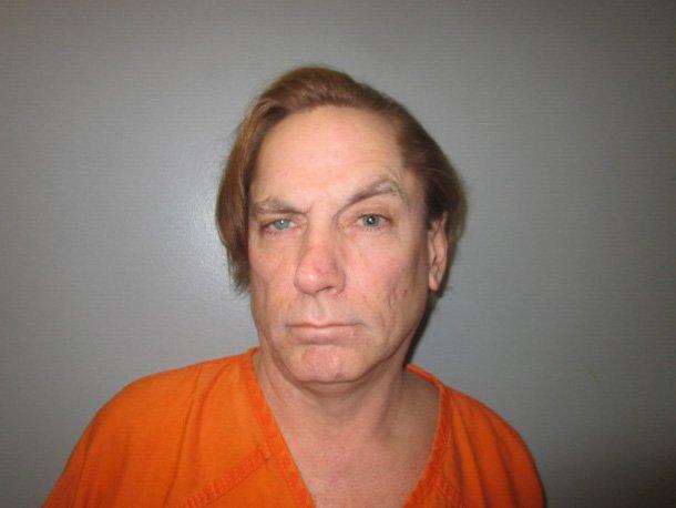 Intenta matar a una cucaracha y termina en la cárcel
