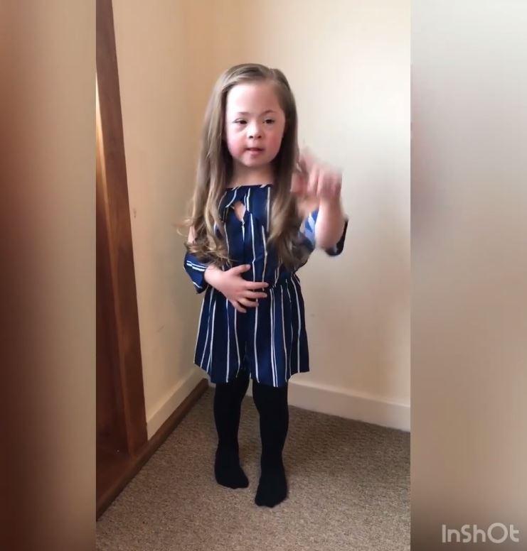 Viral el vídeo de una niña para celebrar el día del Síndrome de Down